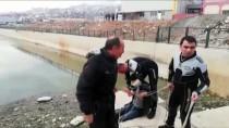 Cep Telefonunu Almak İsterken Sulama Kanalına Düştü