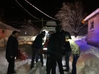 Kar Yolları Kapattı, Hastalara Uzun Uğraşlar Sonucu Ulaşıldı