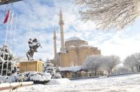 Kırşehir'in İlçeleri Beyaza Büründü