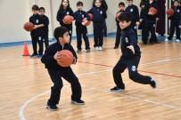 SPOR MERKEZİ - Küçükçekmece'de 8 Bin 246 Öğrenciye Ücretsiz Spor Eğitimi