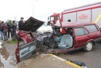 FEVZI ÇAKMAK - Otomobille Pikap Çarpıştı Açıklaması 2 Yaralı