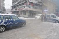 Hastane Yolunda Ulaşım Durdu, Polis Aracıyla Anayol Kapatıldı