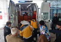 Kahramanmaraş'ta Tır İle Öğrenci Servisi Çarpıştı Açıklaması 3'Ü Ağır 15 Yaralı (2)
