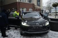 BÖBREK RAHATSIZLIĞI - Kar Nedeniyle Evine Gidemeyen Hastayı, Belediye Başkanı Makam Arcıyla Ulaştırdı