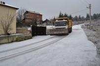 Karabük Belediyesi'nden Don Ve Buzlanmaya Karşı Tuzlama Çalışması