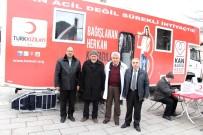 ÖMER HALİSDEMİR - Kaymakam Duru'dan Kan Bağış Aracına Ziyaret