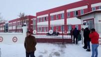 Okulda Dehşet, Öğrenci Öğretmeni Vurdu