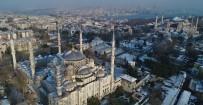 (Özel) Beyaza Bürünen Sultan Ahmet Camii Ve Ayasofya Kendine Hayran Bıraktı