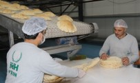 Suriye'de Savaş Mağduru Ailelere 270 Milyon Ekmek
