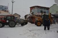 AHMET YESEVI - Tercan Belediyesi'nde Kar Çalışması