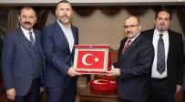TRABZON VALİSİ - Trabzonspor Yönetim Kurulu'dan Vali Ustaoğlu Ve Emniyet Müdürü Çevik'e Ziyaret
