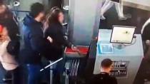 YANKESİCİLİK VE DOLANDIRICILIK BÜRO AMİRLİĞİ - Yankesicilik Yaptıkları Öne Sürülen 3 Kadın Suçüstü Yakalandı
