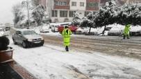 Zonguldak'ta Kar Ulaşımı Aksattı, Metrelerce Araç Kuyruğu Oluştu