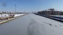AKARÇAY - Afyonkarahisar'da Akarçay Buz Tuttu