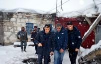 KÖY MUHTARI - Ardahan'da Bir Evde Göçük Açıklaması 1 Ölü, 2 Yaralı