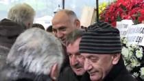SEYFULLAH HACıMÜFTÜOĞLU - Cumhurbaşkanı Erdoğan'ın Dayısı Toprağa Verildi