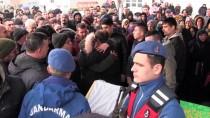 MİMAR SİNAN - Dereye Düşen Otomobilde Hayatını Kaybeden Anne Ve Çocukları Toprağa Verildi