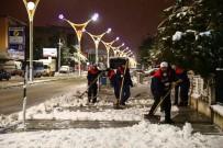 Erzincan'da Karla Mücadele Ekiplerinden Yoğun Mesai