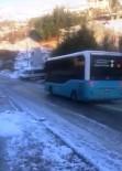 Halk Otobüsü Buzlu Yolda Metrelerce Sürüklendi