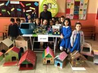 Öğrenciler Atık Malzemelerden Kedi Ve Kuş Evi Yaptı