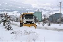 Pamukkale'de Karla Mücadele Sürüyor