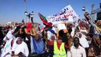ADALET PARTİSİ - Sudan'da Beşir Yanlıları İlk Kez Meydanlara İndi