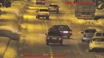SÜRÜCÜ BELGESİ - Trafikte Makas Atan 3 Sürücüye 7 Bin Lira Ceza
