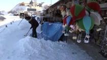 Turistler 'Beyaz Kapadokya'da Çeşitli Aktivitelere Katıldı