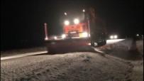 Yayladağı'nda Kar Yolları Kapattı