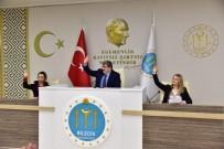 BELEDİYE ÇALIŞANI - Yılın İlk Belediye Meclisi Yapıldı