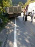Araklı-Bayburt Karayolunda Kaza Açıklaması 2 Yaralı