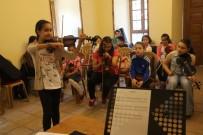 SANAT MÜZİĞİ - Eyüpsultan Belediyesi'nin Kültür Sanat Kurslarına Yoğun İlgi