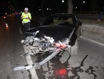 LÜKS OTOMOBİL - Hurdaya Dönen Lüks Otomobilin Sürücüsü Çıkmayınca Polis Soruşturma Başlattı