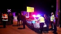 EVLİYA ÇELEBİ - Kütahya'da Hemzemin Geçitte Kaza Açıklaması 3 Yaralı