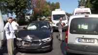 Minibüse Arkadan Çarpan Lüks Araç Kullanılamaz Hale Geldi