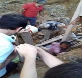 Sultanbeyli'de Toprak Kayması Açıklaması 1 İşçi Yaralandı