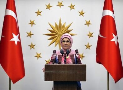 Emine Erdoğan Açıklaması 'Allah Mehmetçiğimizi Muzaffer Eylesin, Dualarımız Onlarla'