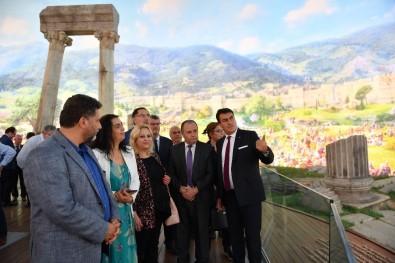 Fetih Müzesi Ziyaretçilerini Büyülüyor