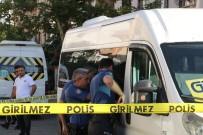 Kayıp Şoför Kullandığı Minibüste Ölü Bulundu