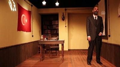 Mehmet Akif'in Diliyle Sahnede 'Milli Şuuru' Anlatıyorlar