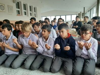 Öğrencilerden Askere 'Fetih Sureli' Destek