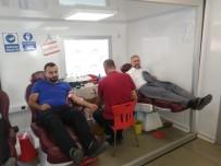 Barış Pınarı Harekatına Destek Vermek İsteyen Vatandaşlar Kan Bağışında Bulundu