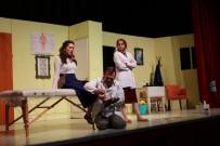 Gebze'de Vatandaşlar Tiyatro Oyununda Buluşuyor