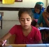 MEHMET DEMIR - Küçük Kız Evin Önünde Oynarken Roketlerin Hedefi Oldu