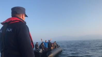 Kuşadası Körfezi'nde 40'I Çocuk 81 Göçmen Yakalandı