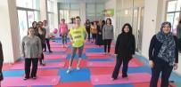 YÜZME HAVUZU - Turgutlu'da Kış Dönemi 'Pilates Kursu' Kayıtları Başladı