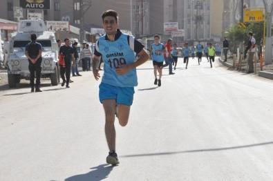 Yüksekova'da 'Amatör Spor Haftası' Etkinliği