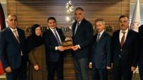 EKREM ÇELEBİ - Ağrı Heyeti Kültür Ve Turizm Bakanı Mehmet Nuri Ersoy'u Ziyaret Etti