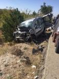 Dinar'da Feci Kaza Açıklaması 1'İ Ağır 3 Yaralı