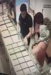 (Özel) 1'İ Kadın 2 Kişi Müşteri Kılığında Böyle Hırsızlık Yaptı